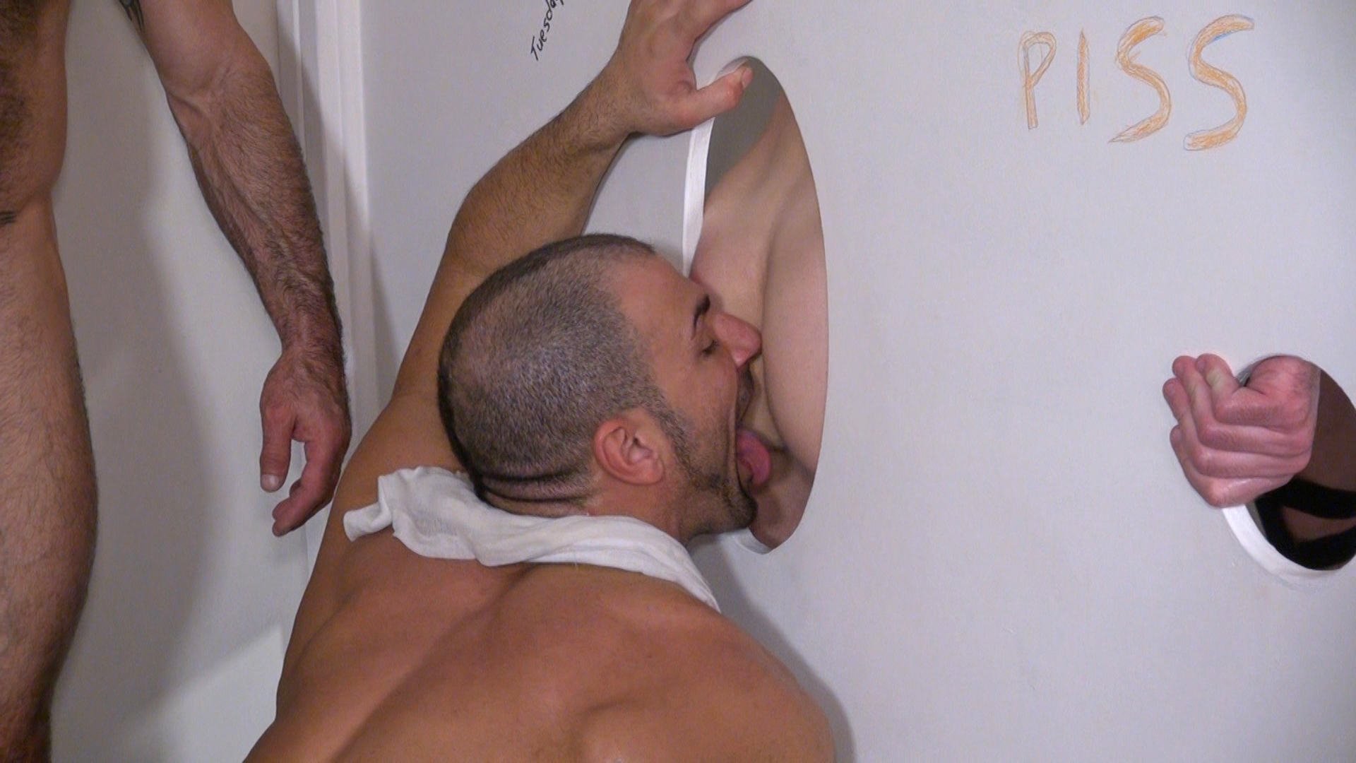 Raw-and-Rough-Jason-Mitchell-Mason-Garet-Todd-Maxwell-Nick-Moretti-Cope-and-Derek-Anthony-Bareback-Truck-stop-gloryhole-sex-Amateur-Gay-Porn-12 Amateur Trucker Sex At A Gloryhole With Piss, Cum and Bareback Action