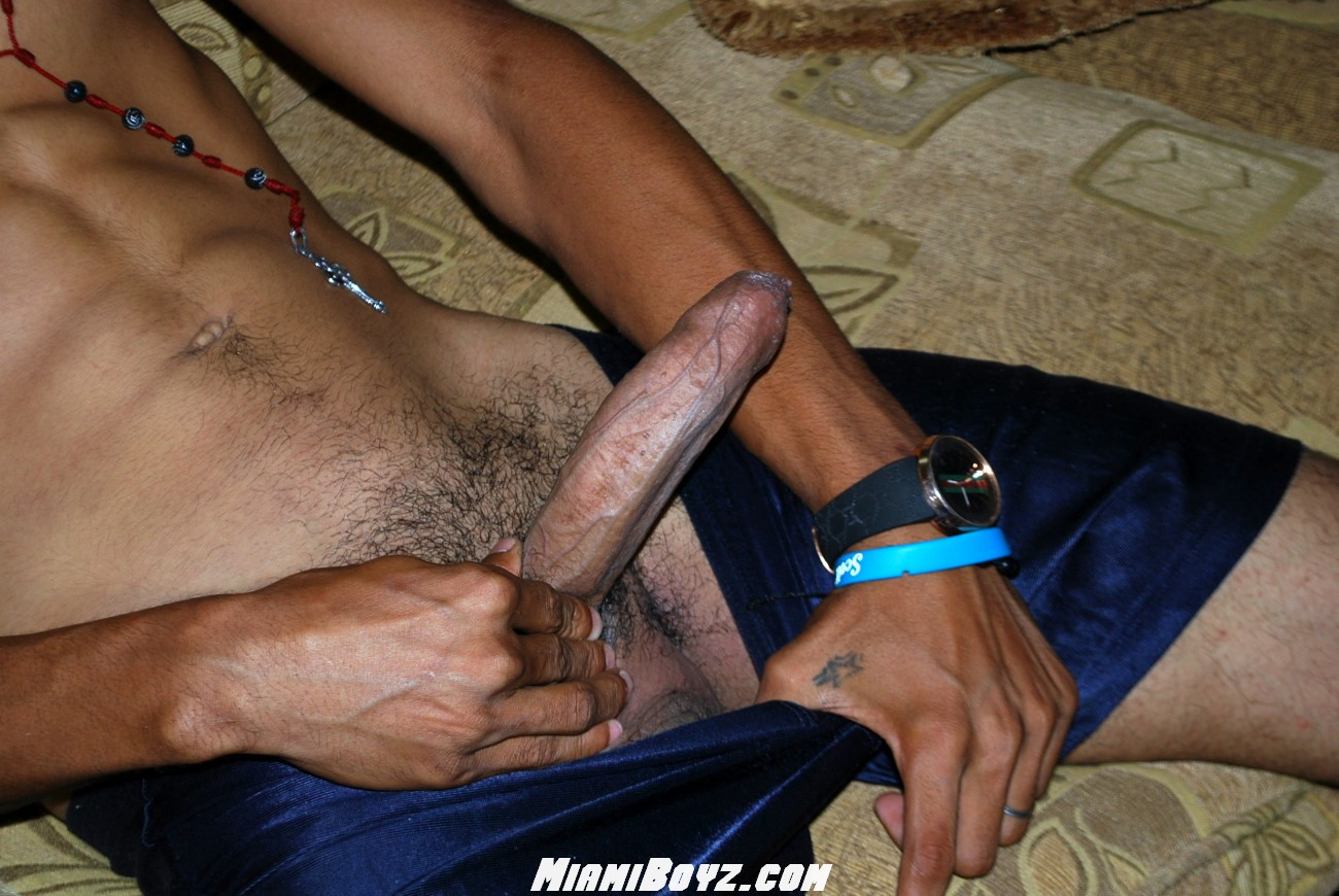 MiamiBoyz-PABLO-big-uncut-latino-straight-cock-jerking-off-Amateur-Gay-Porn-36 Amateur Straight Latino Teen From Miami Jerks His Huge Uncut Cock