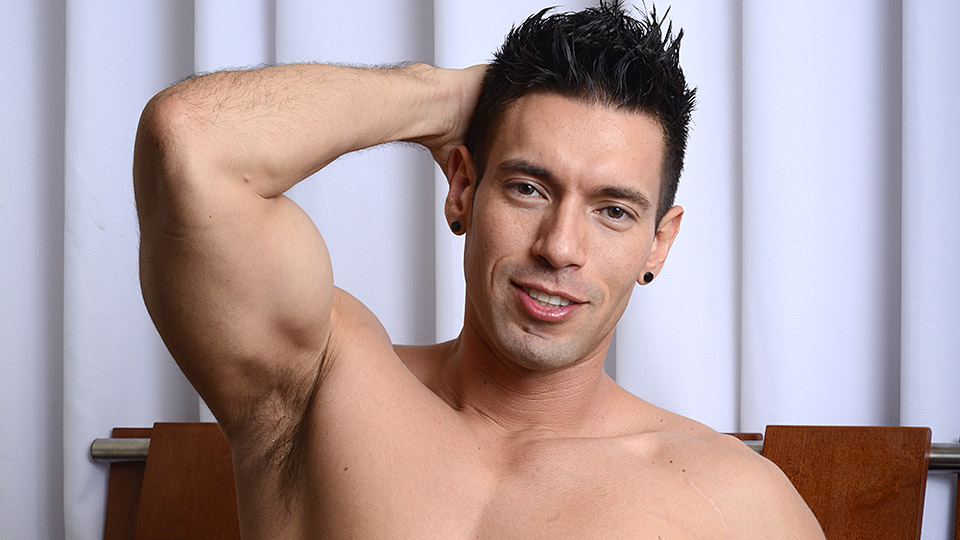 My-Husband-Is-Gay-Angel-Rock-and-Alexander-Garrett-Muscle-Hunks-Fucking-Amateur-Gay-Porn-01.jpg
