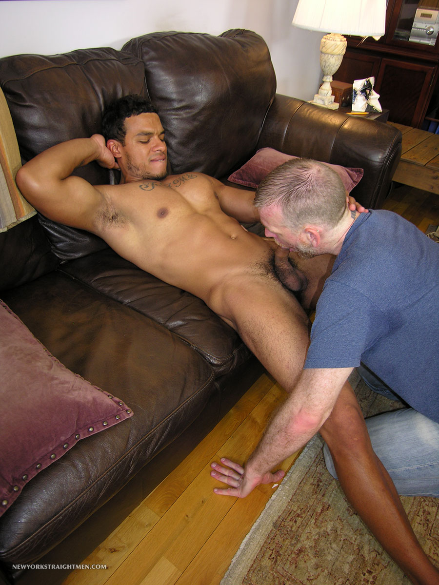 New-York-Straight-Men-Benito-and-Sean-Dominican-Big-Cock-Amateur-Gay-Porn-12 Straight Muscle Dominican From NYC Gets His Blow Job From A Guy