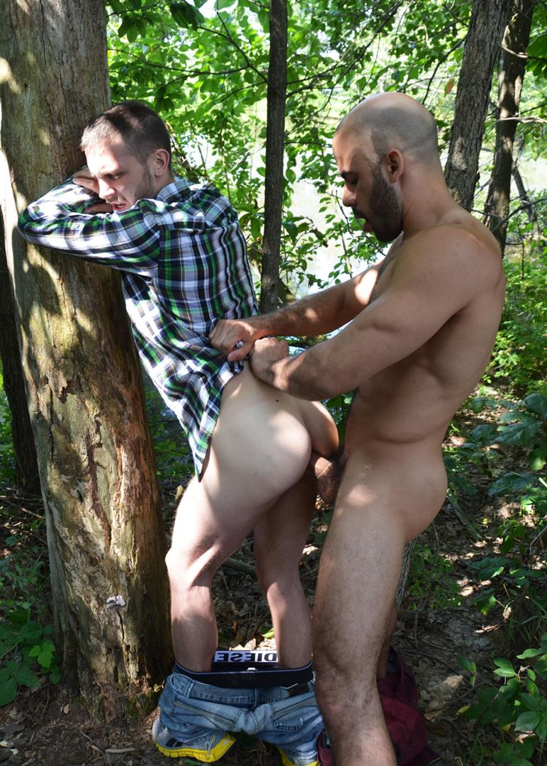 Guys-in-Sweat-Pants-Austin-Wilde-and-Arnaud-Chagall-Muscle-Guys-Fucking-In-The-Woods-Amateur-Gay-Porn-10 Best Friends Austin Wilde and Arnaud Chagall Muscle Fuck In The Woods