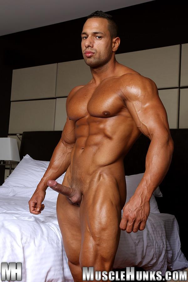 MuscleHunks-Cosmo-Babu-Naked-Bodybuilder-Stroking-A-Huge-Cock-Amateur-Gay-Porn-09 Huge Professional Bodybuilder Shows And Strokes His Huge Cock