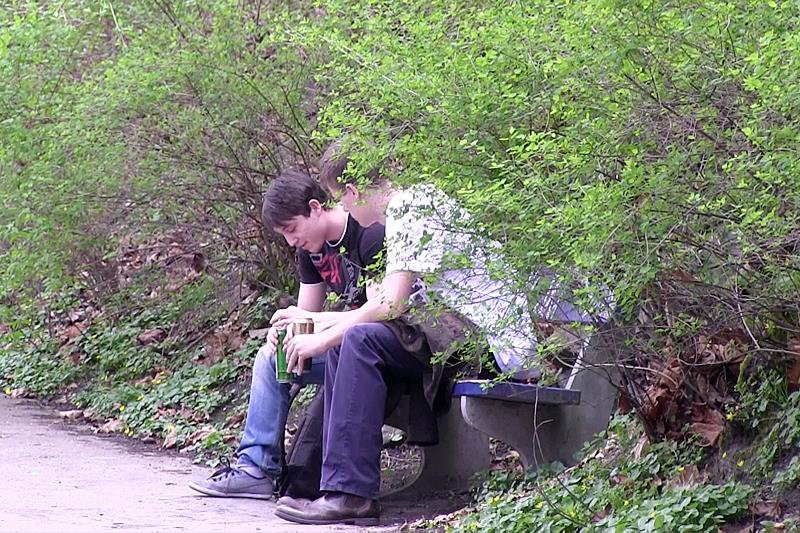 Czech-Hunter-Big-Uncut-Cock-Sucking-and-Barebaking-Outside-Amateur-Gay-Porn-01.jpg