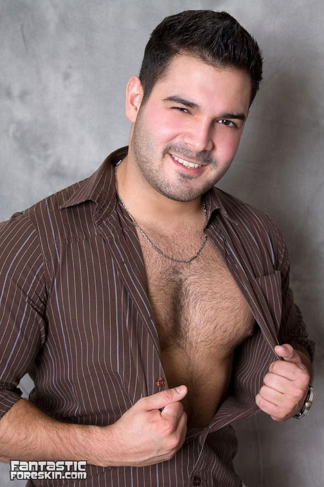 Fantastic-Foreskin-Leonardo-Columbian-With-Big-Uncut-Cock-Masturbaiton-Amateur-Gay-Porn-01.jpg