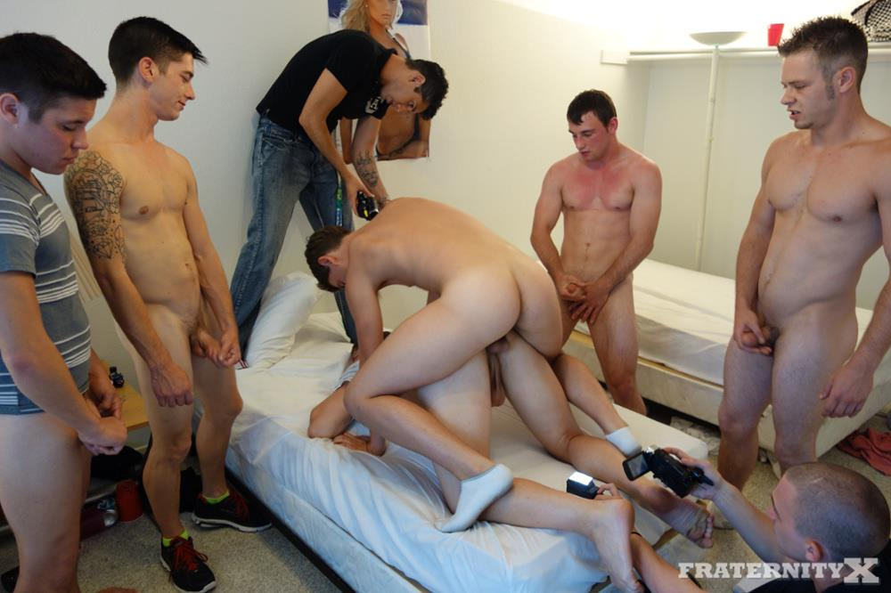 Fraternity-X-5-Frat-Guys-Barebacking-A-Tight-Ass-Breeding-BBBH-Amateur-Gay-Porn-16 Fraternity Jock Takes Five Bareback Loads Up The Ass