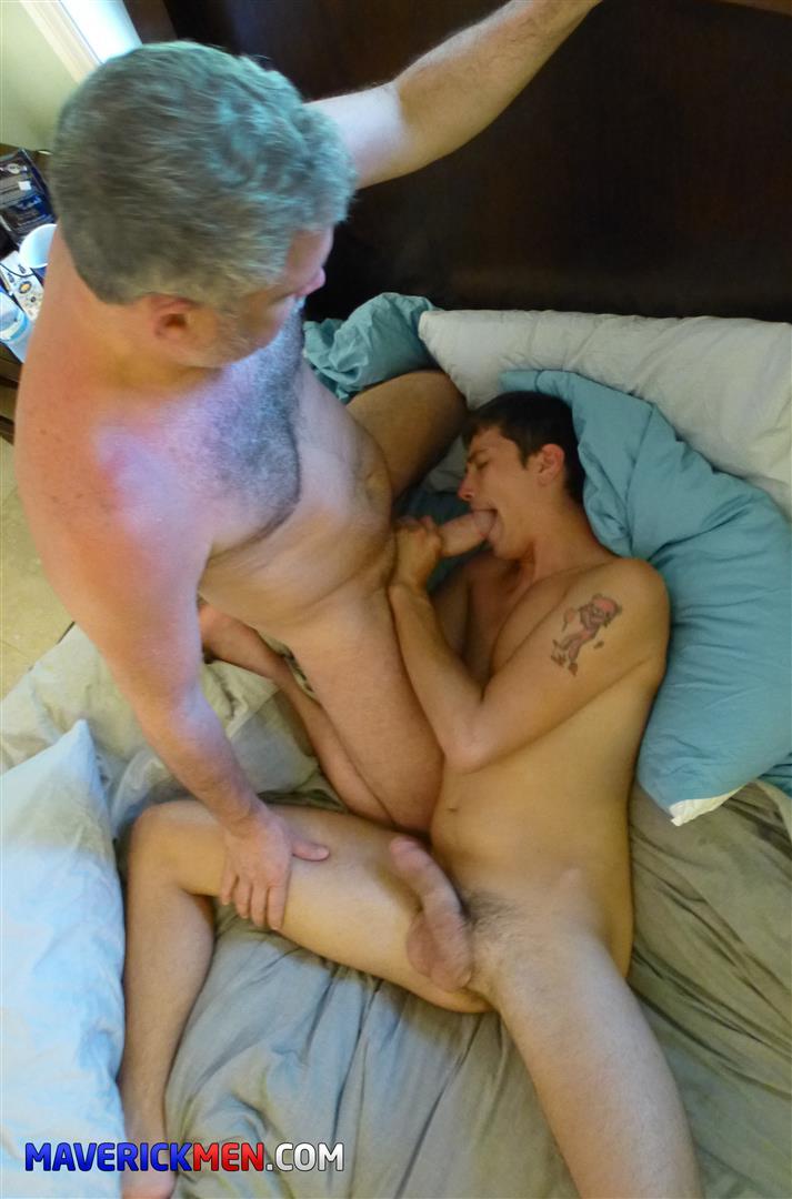 The-Maverick-Men-Drake-Amateur-Bareback-Daddy-Threeway-Amateur-Gay-Porn-28 The Maverick Men Take Turns Barebacking Young Drake's Ass