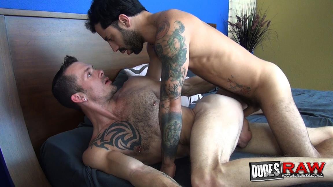 Dudes-Raw-Jimmie-Slater-and-Nick-Cross-Bareback-Flip-Flop-Sex-Amateur-Gay-Porn-02.jpg