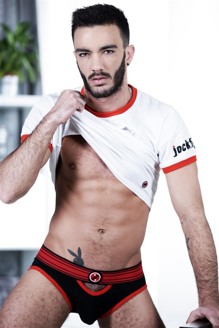 Staxus-Alejandro-Alvarez-and-Jace-Reed-and-Johny-Cruz-and-Xavi-Duran-Triple-Penetration-Bareback-Amateur-Gay-Porn-01.jpg