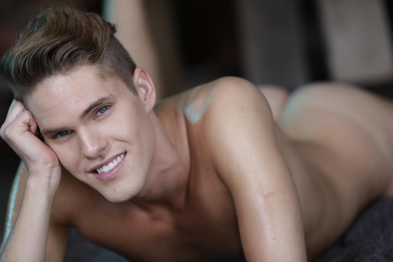 Staxus-Noah-Matous-and-Tristan-Archer-Big-Uncut-Cock-Twinks-Bareback-Amateur-Gay-Porn-01.jpg