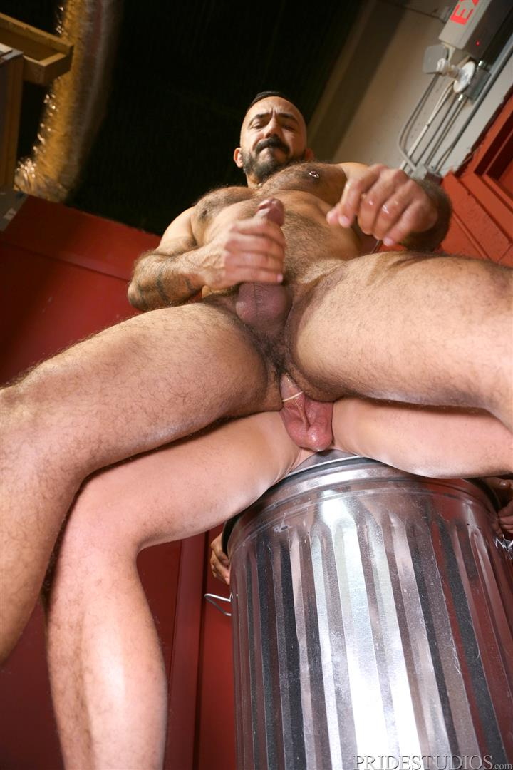 Men-Over-30-Darin-Silvers-and-Alessio-Romero-Hitchhiker-Fucking-Hairy-Ass-Amateur-Gay-Porn-13 Alessio Romero Picks Up A Hitchhiker And Gets Fucked In The Ass