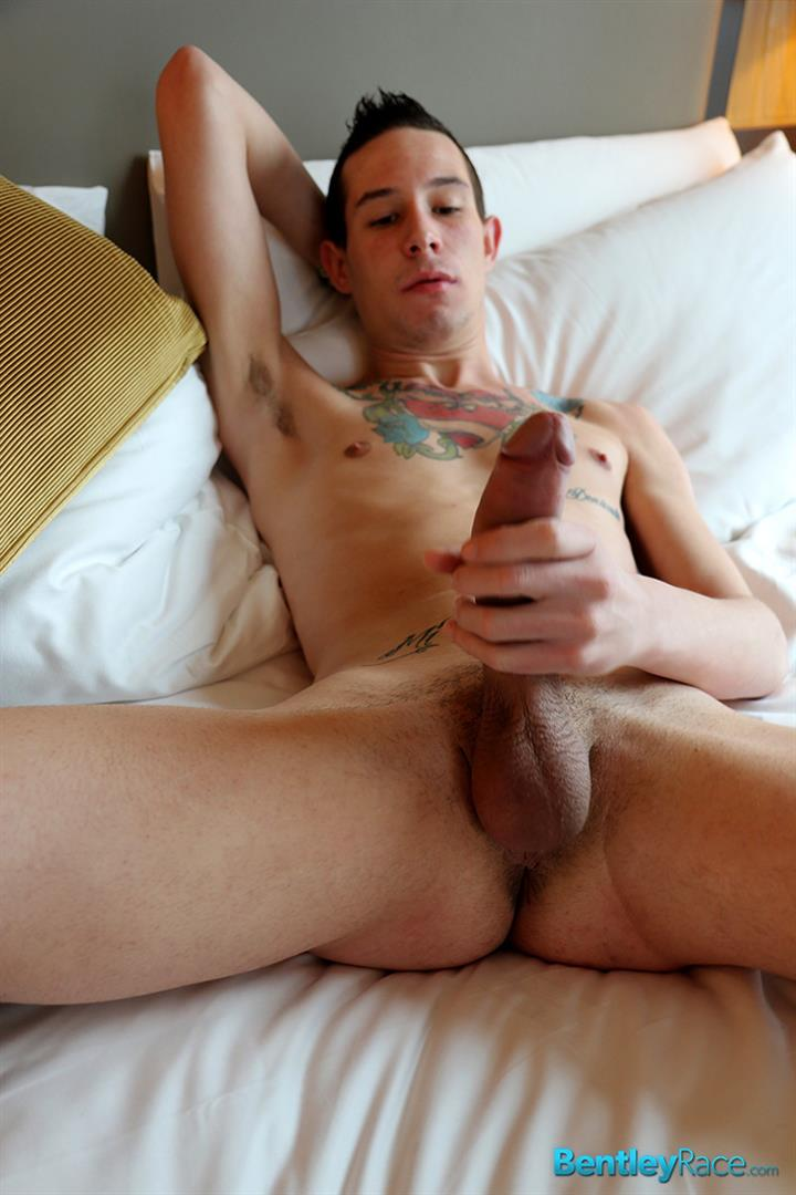 Bentley-Race-Sergio-Duque-Twink-With-A-Long-Uncut-Cock-Amateur-Gay-Porn-18 Twink With A Long Uncut Cock Gets An Unexpected Blow Job